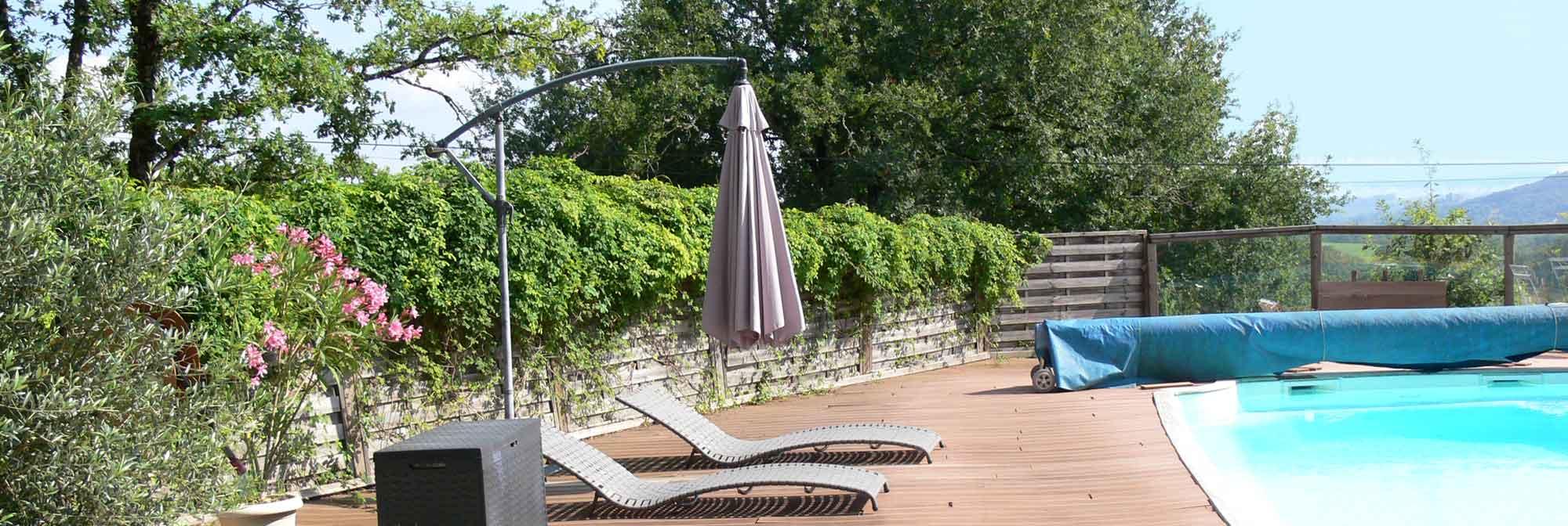 gite avec piscine collonges la rouge g tes beaulieu sur dordogne. Black Bedroom Furniture Sets. Home Design Ideas